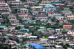 许多山坡房子,努沃勒埃利耶,斯里兰卡 免版税库存照片