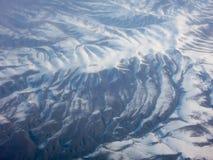 许多山峰概要 库存照片