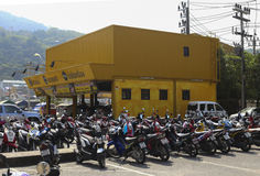 许多摩托车在泰国 免版税库存图片