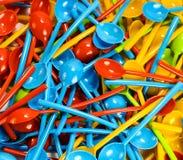 许多新的色的塑料匙子 库存照片