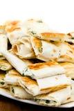 许多新鲜的微型大小三明治开胃菜板材  免版税库存照片