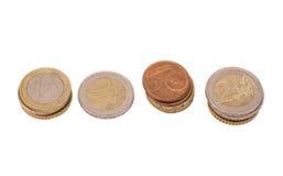许多欧元硬币(欧盟的货币) 免版税库存照片