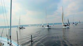 许多游艇在公海,航行,赛船会,体育,冒险 影视素材