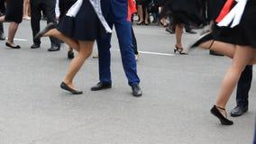 许多的一些运动跳舞的对,慢动作 股票录像