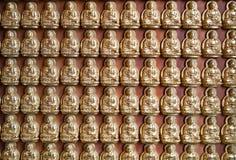 许多的菩萨小的雕象 免版税库存照片
