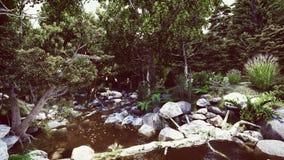 许多石头在森林河 免版税库存照片