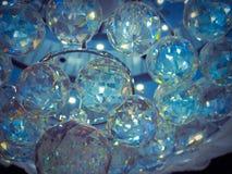 许多蓝色水晶球 库存图片