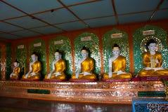 许多雕塑Bubba 实皆,缅甸 库存照片