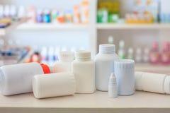 许多医学瓶 免版税库存照片