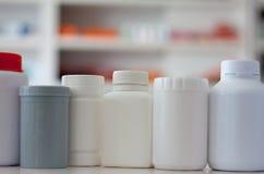 许多医学瓶 库存照片