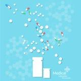 许多医学药片和片剂压缩疗法抗生素 免版税库存图片