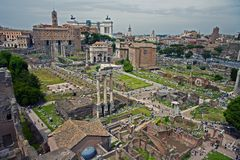 论坛废墟在罗马 库存照片