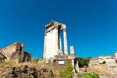 论坛罗马罗马废墟 库存照片