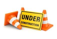 建设中标志和交通锥体 免版税库存照片
