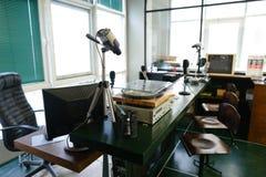 设备和特别设备质量的在无线电演播室运转 免版税库存图片