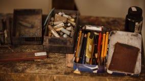 设备在背景的教育艺术 图库摄影