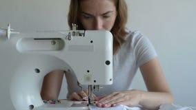 设备缝合缝合妇女 股票录像