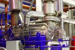 设备行业最新的石油精炼区域 工厂设备 免版税库存照片