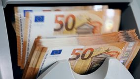 设备计算五十欧元票据 股票视频