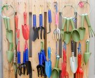 设备从事园艺的室外夏天工作 免版税库存图片