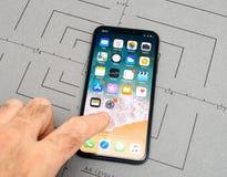 设定在iPhone x 10个app应用软件墙纸 免版税图库摄影