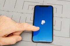 设定在iPhone x 10个app paypal的应用软件 免版税图库摄影