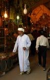 设拉子,伊朗市场的年长人  免版税图库摄影