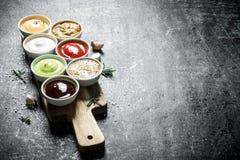 设置不同的美味调味汁 图库摄影
