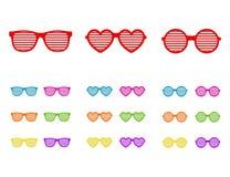 设置快门玻璃 有斑或被装饰的太阳镜,夏天青年玻璃 快门遮蔽太阳镜汇集 免版税库存照片