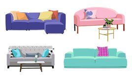 设置有室内装饰品的现代五颜六色的软的沙发 免版税库存照片