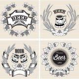 设置黑麦和蛇麻草传染媒介花圈啤酒的 免版税图库摄影