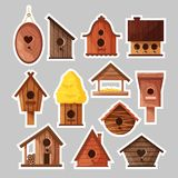 设置birdboxes贴纸 不同的木手工制造鸟房子,鸟的,传染媒介动画片自创嵌套箱 库存例证
