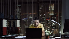 设计大模型的建筑师 股票视频