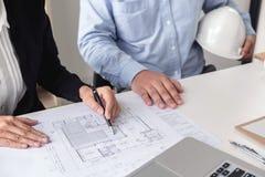 设计或工程项目的创造性的建筑师 免版税库存照片