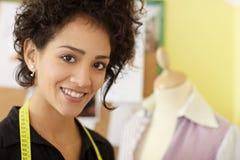 设计方式工作室妇女工作 免版税库存照片
