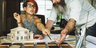 设计演播室建筑师创造性的职业议院模型概念 免版税库存图片