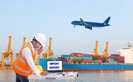 设计码头工人谈话在控制lo的携带无线电话 免版税库存图片