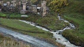 设防建筑学在惊人的旅游地方Ushguli位于什哈拉山,一的脚最高 股票视频
