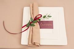 设宴婚礼桌设置晚上招待会名片 库存图片