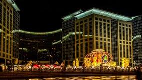 访客通过马光在东方正方形在汉语新春佳节期间在北京,中国 股票视频