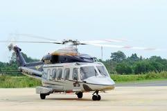 访问泰国的AgustaWestland AW189亚洲游览 免版税图库摄影