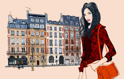 访问巴黎的年轻亚裔妇女 库存照片