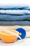 评定橙色堆磁带毛巾 库存照片