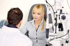 诊断听的患者 免版税库存照片