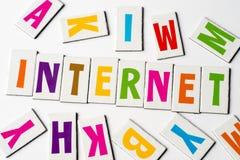 词互联网由五颜六色的信件做成 免版税库存图片