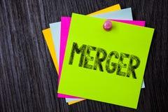 词文字文本合并 组合的企业概念的两件事或公司融合联合统一多稠粘 库存图片