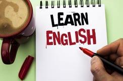 词文字文本学会英语 研究的企业概念另一种语言学会事人写的外国通信 免版税库存照片