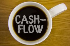 词文字文本收入现款额 金钱的真正运动的企业概念由公司在Bl写的财务处统计的 免版税图库摄影