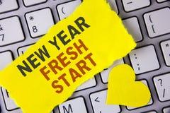 词文字文本新年崭新的开始 时刻的企业概念能跟随决议提供援助在泪花写的梦想工作稠粘 免版税库存图片