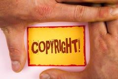 词文字文本版权诱导电话 对的在黄色St写的知识产权海盗行为说不企业概念 库存照片